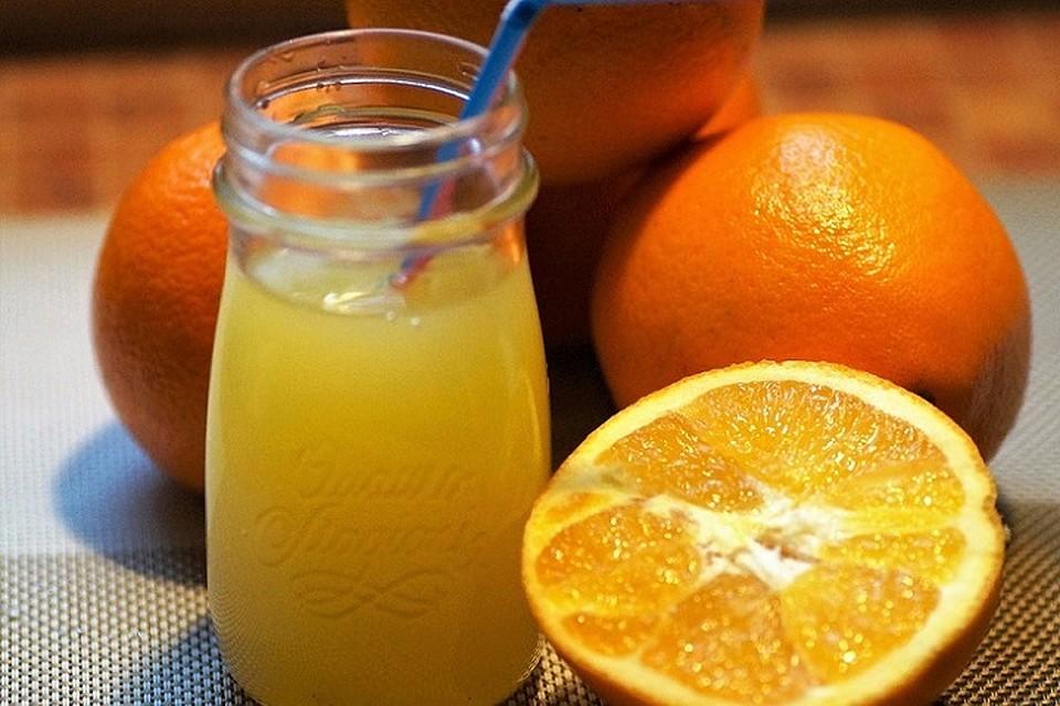 Как правильно пить свежевыжатый сок: тюменский врач дала несколько полезных советов